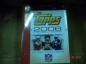 (2006 TOPPS RACK FOOTBALL FACTORY SEALED HOBBY BOX !! 9)