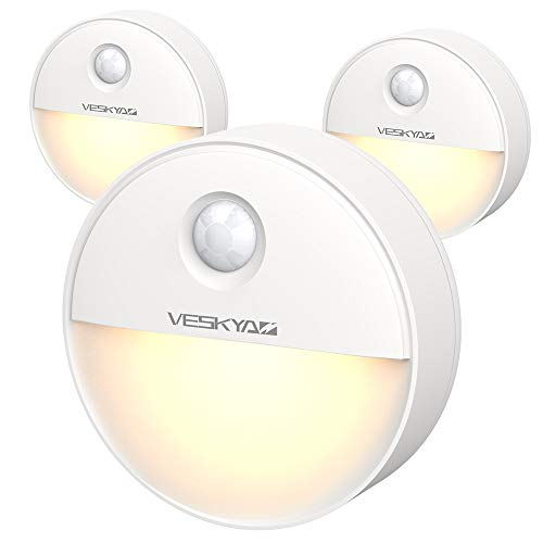Veskyao Luz De Noche Con Sensor De Movimiento 3 Packs Con Almohadillas Adhesivas Y Iman Integrado Luz Presencia Led Pilas Para Armario Dormitorio Escalera Pasillo Cocina Bano Garaje