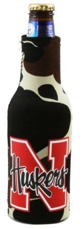 (NEBRASKA HUSKERS CAMO BOTTLE SUIT KOOZIE COOZIE COOLER)