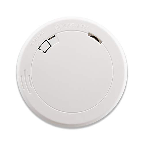 First Alert PR710 Slim Photoelectric Smoke Alarm with 10-Year Sealed ()
