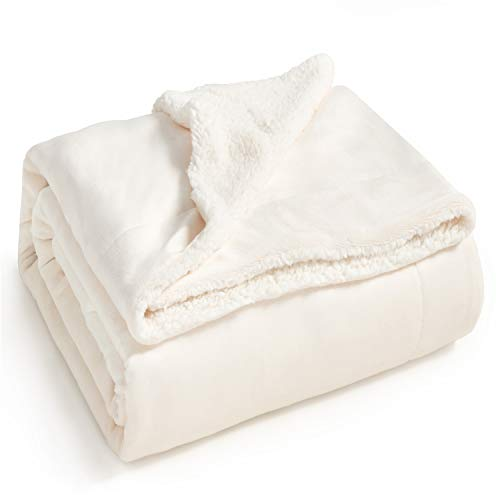 Bedsure Sherpa Fleece Blanket Twin Size Off White Plush Blanket Fuzzy Soft Blanket Microfiber (White Blankets)