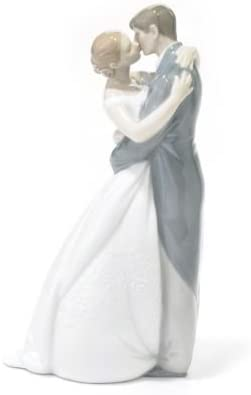 Nao by Lladro A Kiss Forever Porcelain Figurine