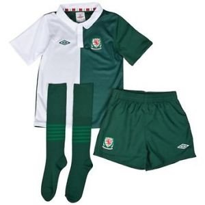 official childs umbro wales away football kit age 2 / 3