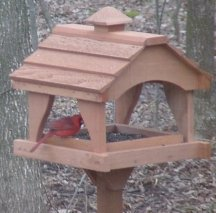 Looker Pavilion Cedar Bird Feeder