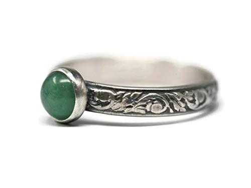 Size 7 Green Aventurine Sterling Silver Ring Vine Pattern Band Antique Finish Vine Pattern Band in Antique Finish ()