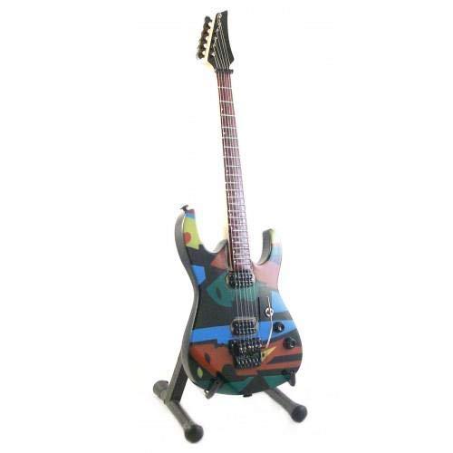 (Mini Guitar DREAM THEATER JOHN PETRUCCI PICASSO Display GIFT )