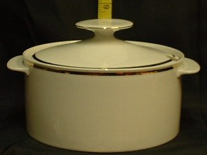 THOMAS CHINA 4MM WIDE GOLD 799 - SOUP / VEGETABLE TUREEN - NEW -