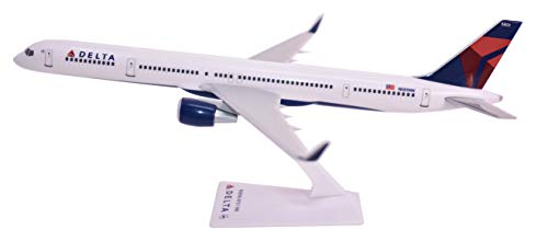 (Flight Miniatures Delta Airlines Boeing 757-300 1:200 Scale 2007 Livery Display Model with Stand ABO-75730H-007)