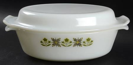 Vintage Anchor Hocking Fire King Milk Glass Casserole Covered Oval 1 1/2 Qt in Meadow Green