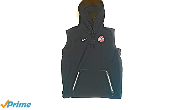 77f98758f05eb Amazon.com  Nike Men s Ohio State Buckeyes Sideline Therma Vest Pullover Hoodie  846009-010 (Large) Black  Sports   Outdoors
