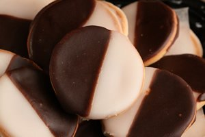 Green's Bakery Hand Dipped Mini Black & White Cookies - 11 oz. (Best Nyc Black And White Cookies)