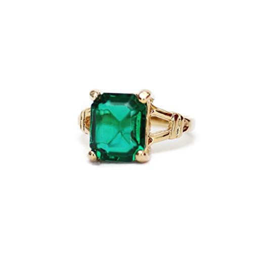 (Providence Vintage Jewelry Emerald Swarovski Crystal 18k Gold Plated Cocktail Ring)