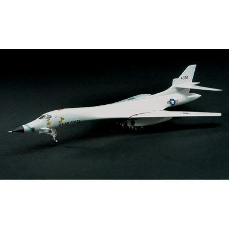 Rockwell B-1A Supersonic Strategic Bomber Jet 1:144 Scale Model Kit
