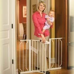 Regalo Extra wide walk through gate