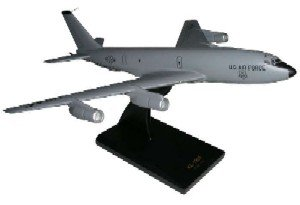 Daron Worldwide Trading B9410 KC-135E 1/100 AIRCRAFT