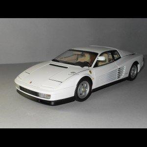 1/18 フェラーリ テスタロッサ 前期型 UP GRADE ホワイト K08424W