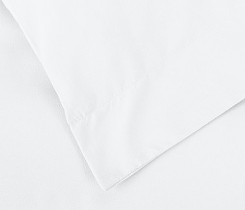 AmazonBasics Microfiber Duvet Cover Set - Full/Queen, Bright White