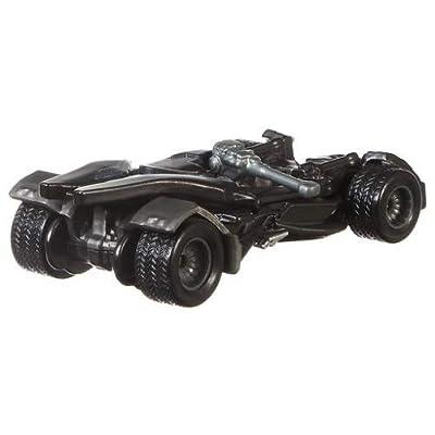 Hot Wheels Retro Entertainment Diecast Justice League Batmobile: Toys & Games
