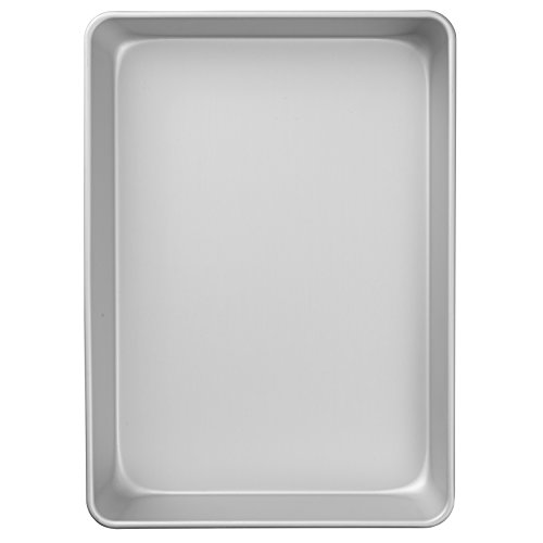 Wilton Performance Pans Aluminum Quarter Sheet Cake Pan, Durable Aluminum Heats Evenly and Holds its Shape Use After Use, 9 x 13-Inch