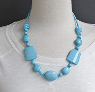 (Turquoise beaded necklace chunky plastic beads statement fashion necklace)