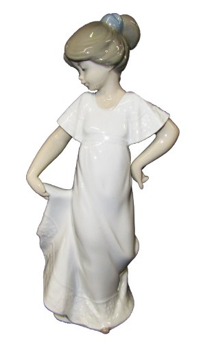 Lladro Children Figurines (Nao by Lladro Collectible Porcelain Figurine: HOW PRETTY! - 8 3/4