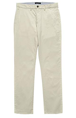 Tommy Hilfiger Men's Classic Fit Flat Front Chino Pants - 32W x 32L - Stone ()