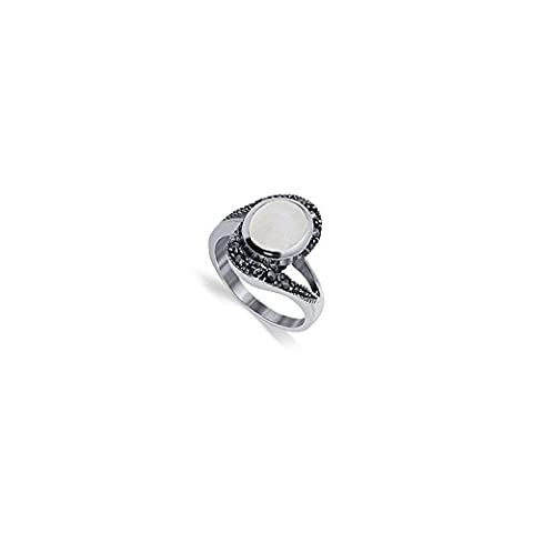Gem Avenue 925 Sterling Silver Oval Mother of Pearl and Marcasite Ring (Marcasite Rings Size 11)