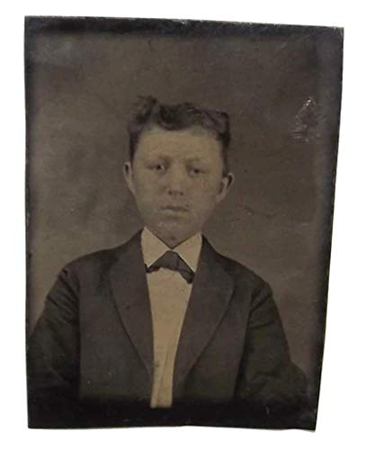 (Antique 1/16th Plate Tintype Photograph of Young Victorian Boy in Suit)