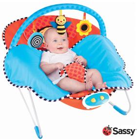 Oversized, cradling seat with newborn headrest