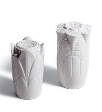 SALE Lladro Porcelain NATUROFANT.-SALT & PEPPER SHAKERS(WHITE) 010.07987 Worldwide Shipping by Lladro