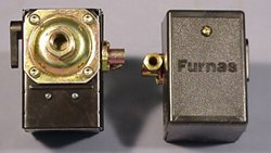 Pressure switch for air compressor made by Furnas / Hubbell 69JF7LY 95-125 single port w/ unloader & on/off lever