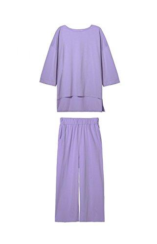 Kissr (Purple Minion Costume Girl)