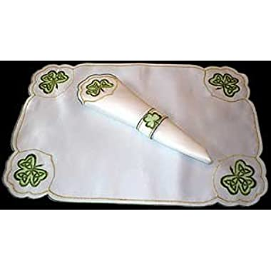 Set of 4 Table Place Settings (4 Placemats/4 Napkins) in an Irish Shamrock Design