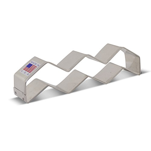 Chevron/Zig Zag Cookie Cutter - 5.25 Inch - Ann Clark - US Tin Plated Steel