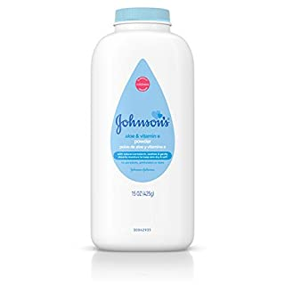 Johnson's Baby Powder with Naturally Derived Cornstarch Aloe & Vitamin E, Hypoallergenic, 15 oz