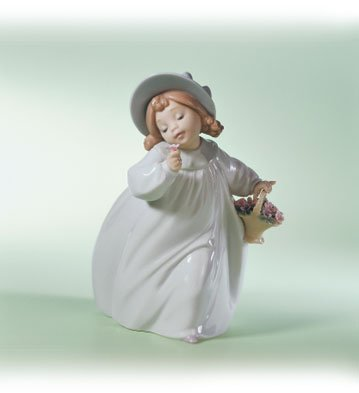 Lladro Romance 06683 Girl with Basket of Flowers