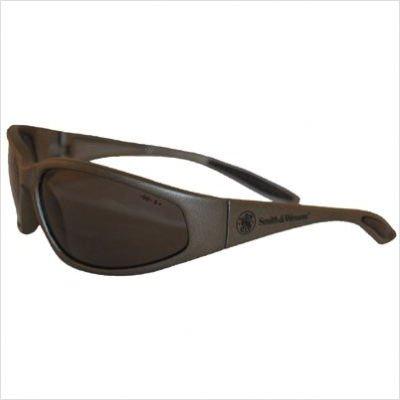 (Smith & Wesson Smoke Polarized Safety Eyewear, Scratch-Resistant)