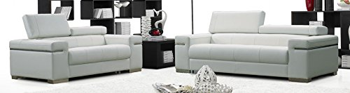 (J and M Furniture 17655111-S-W Soho Sofa in White Leather)