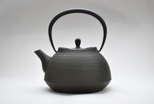 ITCHU-DO HAKEME Japanese Cast Iron tea Kettle Nambu Tetsubin 1300ml by ITCHU-DO
