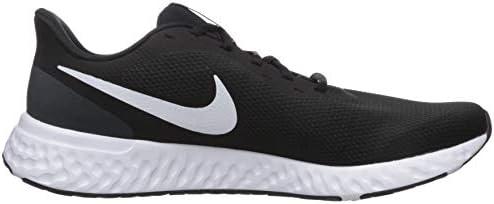 Nike Men's Revolution 5 Running Shoe 6