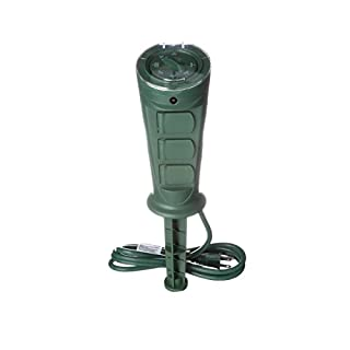 Woods 17321 17321WD Outdoor Plug-in Yard Stake Timer with Photocell, Dusk-To-Dawn, 3-Outlet, Green