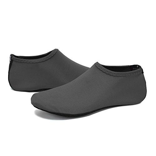 BTDREAM Männer und Frauen Quick-Dry Barfuß Wasser Haut Schuhe Aqua Socken für Beach Swim Surf Yoga Wassergymnastik Grau