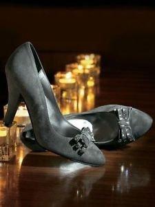 Zapatos de ante su en gris gris