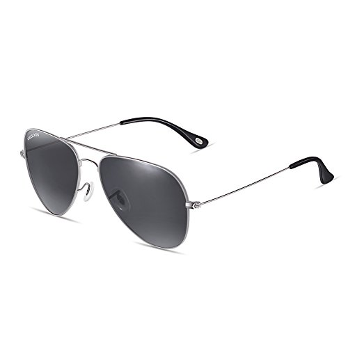 07560a7760e7 Vegoos Aviator Sunglasses for Men Women Polarized UV 400 Protection Driving  Sunglasses with Case