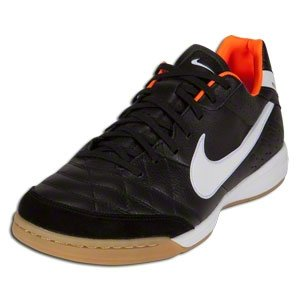 """NIKE """"Temps Mystic IV"""" Chaussures De Football En Salle, Modèle en fin de série - Noir/Blanc/Total orange, Homme, 5 US"""