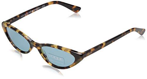 VOGUE Women's Plastic Woman Cateye Sunglasses, Black, 52.0 mm ()
