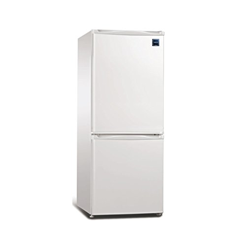 9.2 Cubic Foot Fridge with Bottom Mount Freezer, Auto Defrost ()
