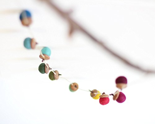 Acorn Garland (Felted Acorn Garland - ten colorful handfelted acorns on hemp string)