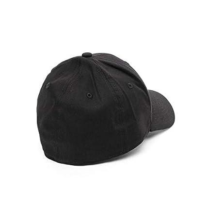 ad10186a41d9 Amazon.com   New Era 39Thirty Flexfit Cap - NY YANKEES black   Clothing