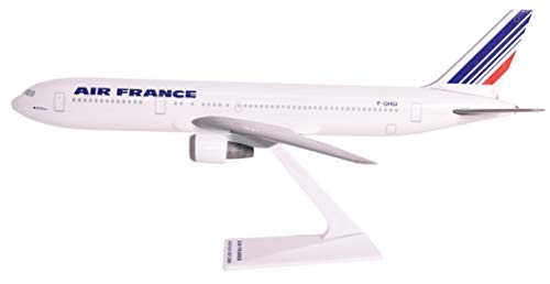 (Air France (77-Cur) 767-300 Airplane Miniature Model Snap Fit 1:200 Part#ABO-76730H-030)